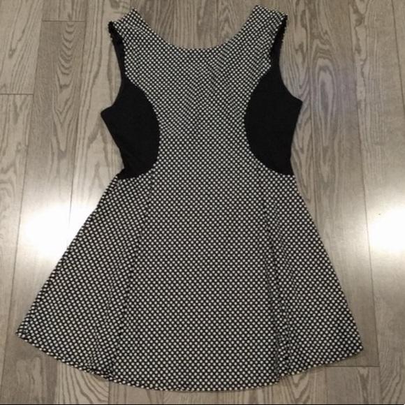 👠👠Black & white stretchy dress - Charlotte Russe